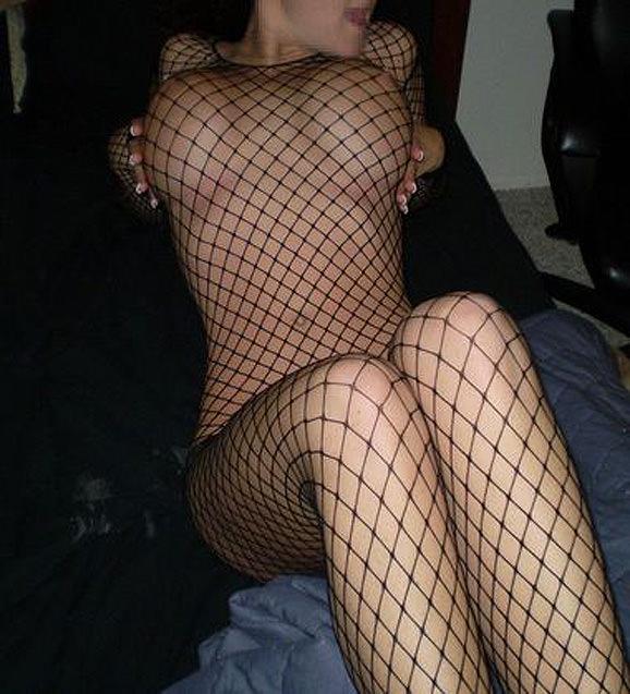 素人熟女のだらしない体を引き締める全身網タイツがエロすぎる件wwwwwww 23129