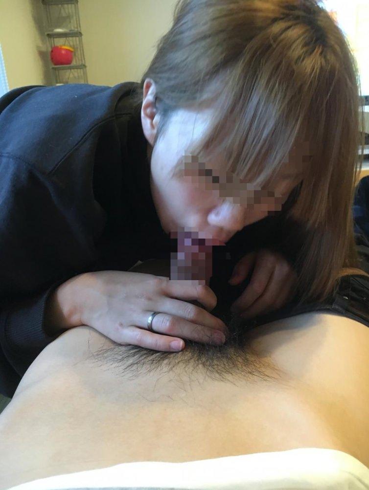 彼氏のチンコをパクー!!!性欲強い素人娘が得意のフェラチオwww 2703