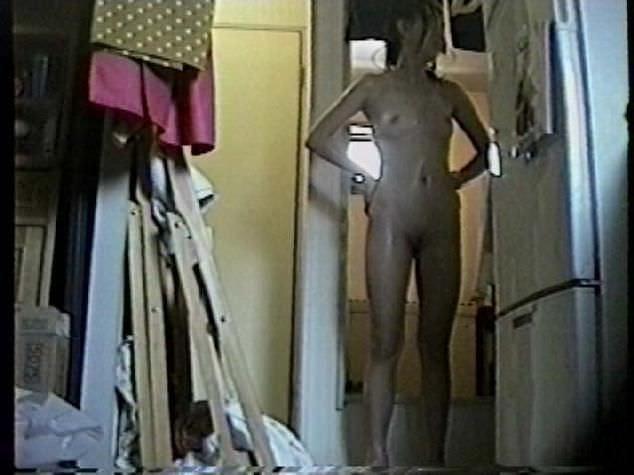 家庭内隠し撮り大好きな奴www素人のおっぱい、お尻たまりませんなぁーwww 2729