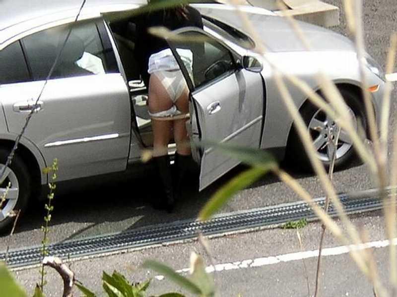 隠れて水着に着替えるもバレバレwww盗み撮りされる素人娘www 2810