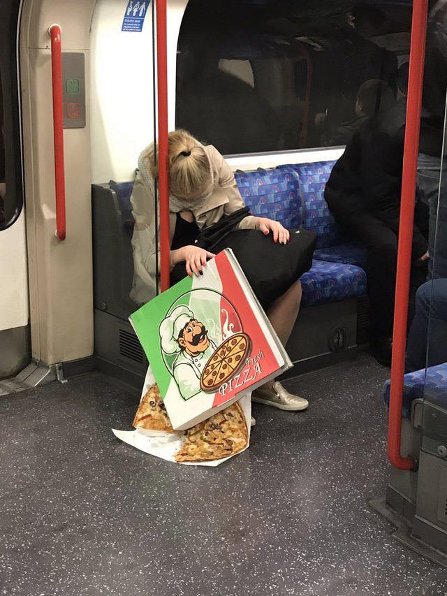 電車内で本当にあったヤバイエロ画像wwwwwwwwwwwwwww 6A4vKZr