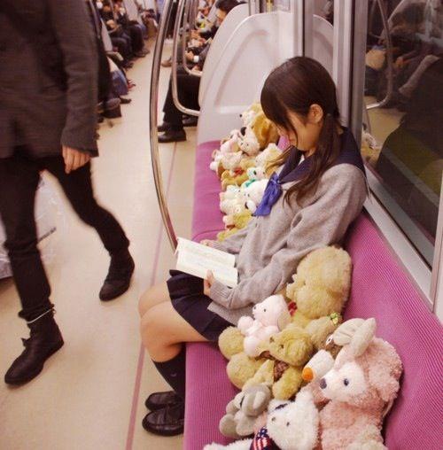 電車内で本当にあったヤバイエロ画像wwwwwwwwwwwwwww %name