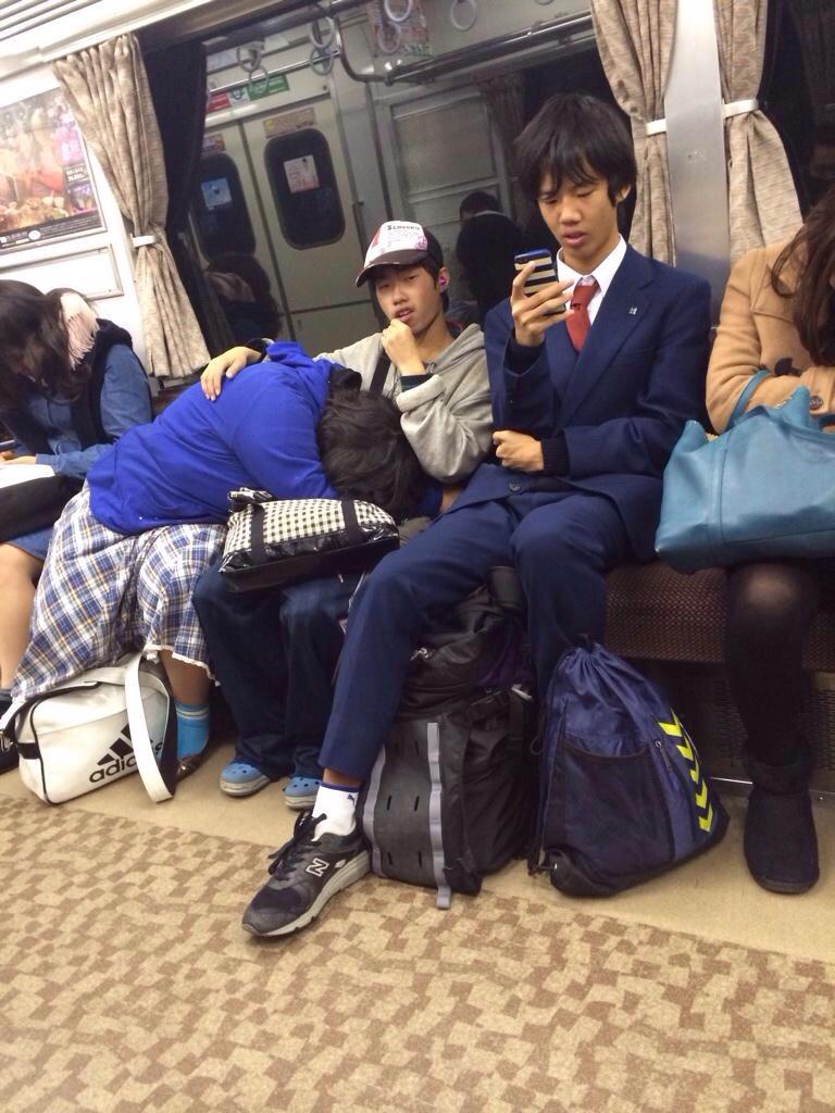 電車内で本当にあったヤバイエロ画像wwwwwwwwwwwwwww PVLNidD