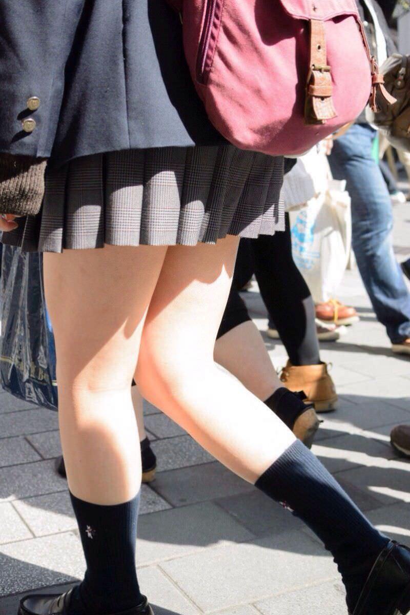 女子高生の太ももVS台風の季節がやってきましたぁぁぁぁぁぁぁぁ!!!!!!! PfTeIOQ