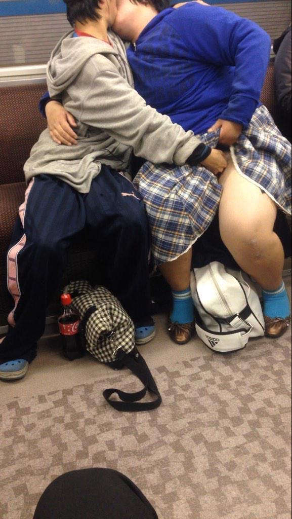 電車内で本当にあったヤバイエロ画像wwwwwwwwwwwwwww gTlSMVK