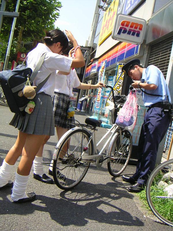 通勤通学中の街撮りJK画像はここですかwwwwwwwwww mhTXETw