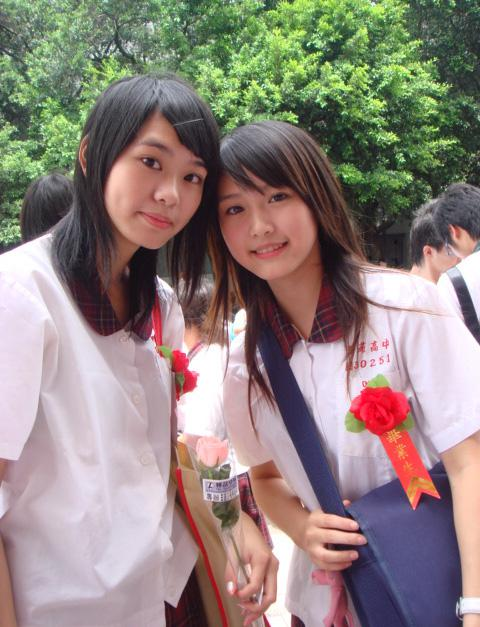 【悲報】ワイ、台湾のJKが可愛すぎて泣けてくるwwwwwwww wJed2BG