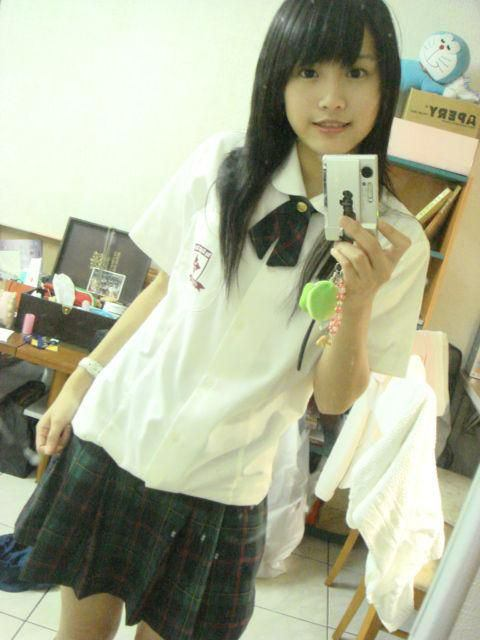 【悲報】ワイ、台湾のJKが可愛すぎて泣けてくるwwwwwwww wpid 10444312