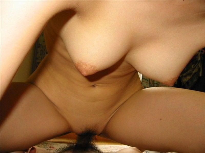彼氏の誘惑に負けてハメ撮りされる素人娘www20代カップルの生々しいセックス画像www 0249