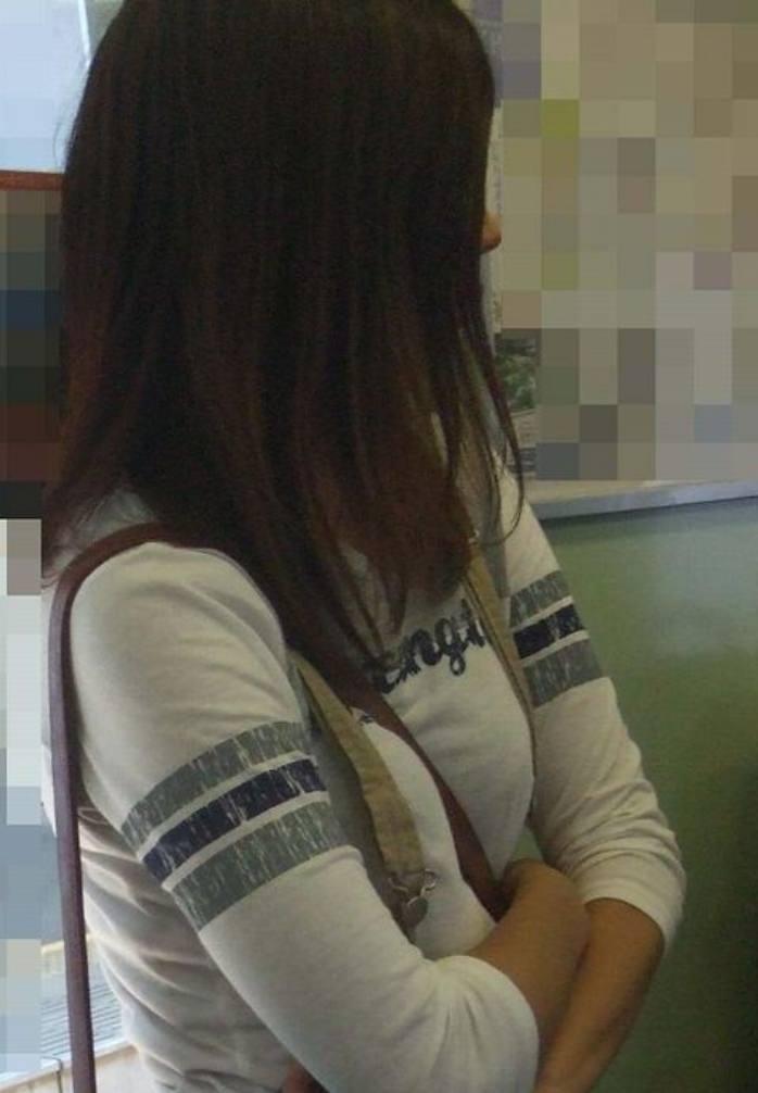 巨乳ではち切れちゃうよwww洋服パンパンの着衣おっぱい街撮り画像www 15167