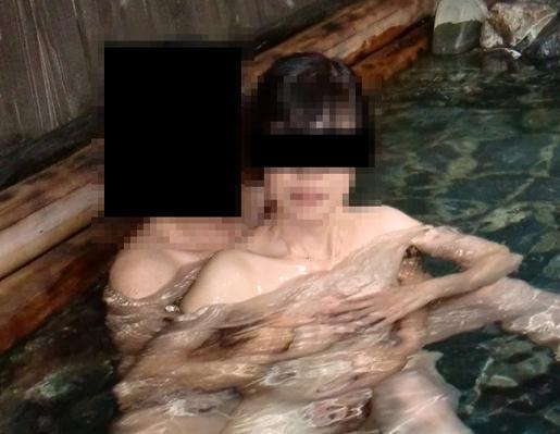 子育てから開放されて温泉旅館でエッチ三昧の熟女www夫婦円満の秘訣は濃厚セックスwww 15183
