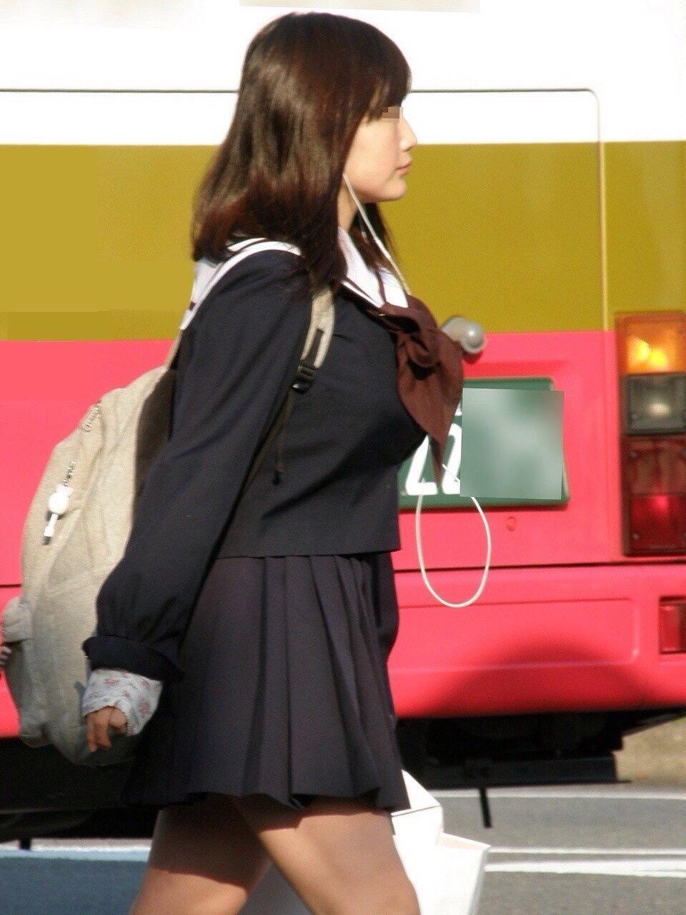 女子高生の制服が姿が好きすぎるので街撮り画像をくださいwwwwwwwwwww 1k2ccle