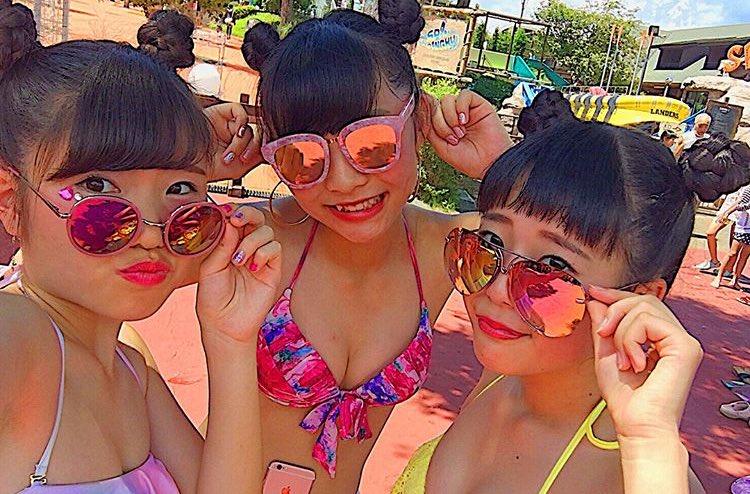 この夏のリア充水着女子の素人エロ画像貼ってくぞwwwwwwww EKDbIm8