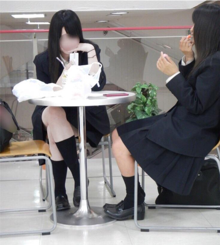 女子高生の制服が姿が好きすぎるので街撮り画像をくださいwwwwwwwwwww EvrcihK