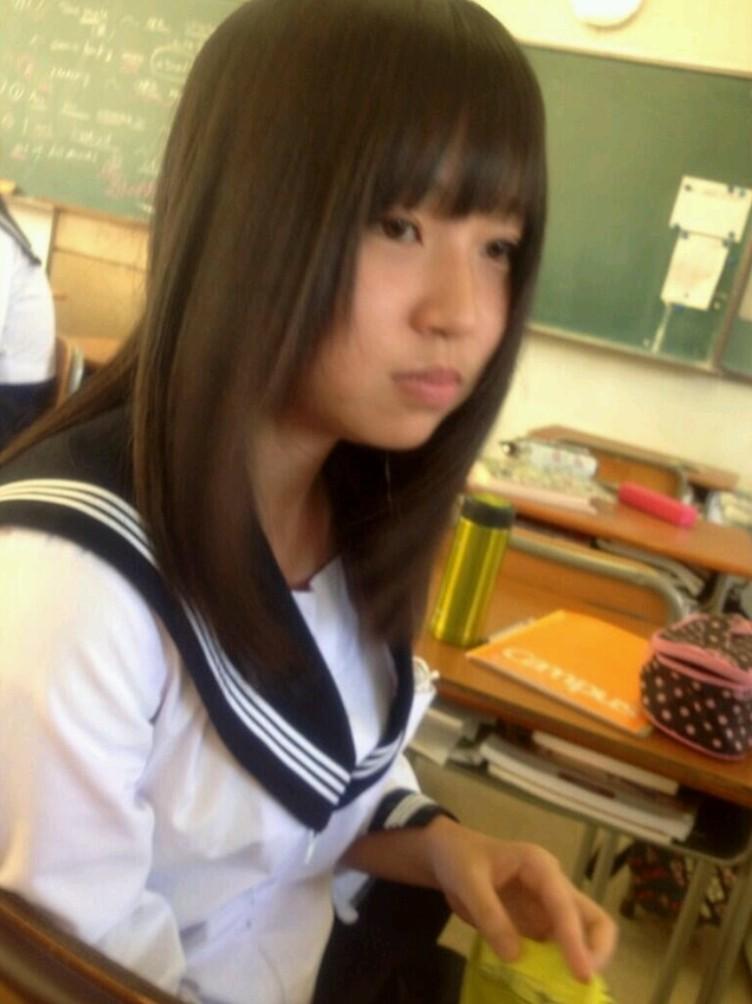 楽しそうに高校生活を送るおふざけJKが可愛すぎて大好きですwwwwwww HqJxX4J