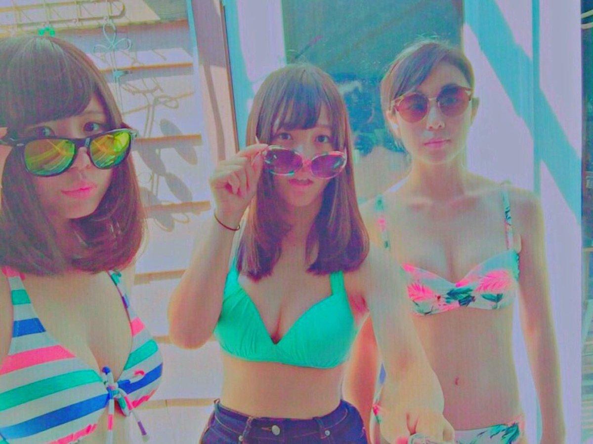 この夏のリア充水着女子の素人エロ画像貼ってくぞwwwwwwww VmpfE8b