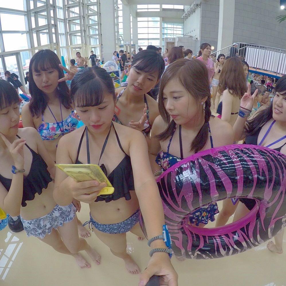 来年の夏までおあずけになってしまった女子高生の水着画像wwwwwwww ZNalPq1