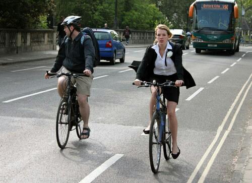 ミニスカで自転車にのる女子高生の画像をくださいwwwwwwwwwww fOe5dqR