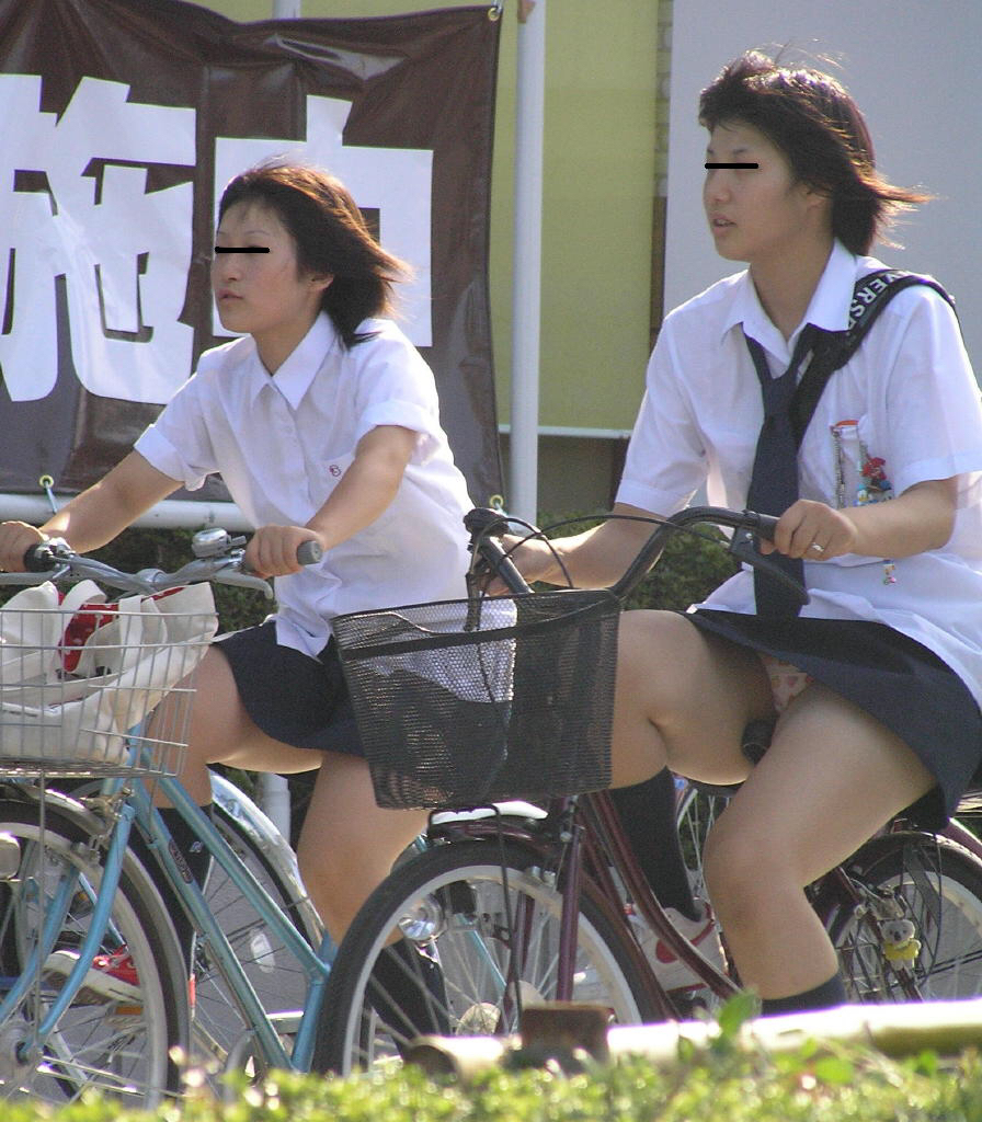 ミニスカで自転車にのる女子高生の画像をくださいwwwwwwwwwww htFACWd