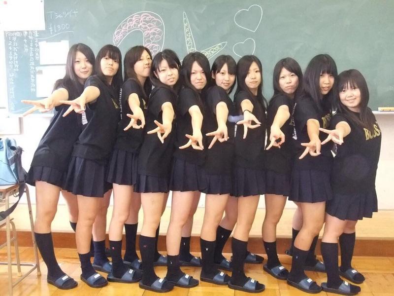 体操部のJS小学生が肉棒に跨がり卑猥に腰振るセックスしたい画像