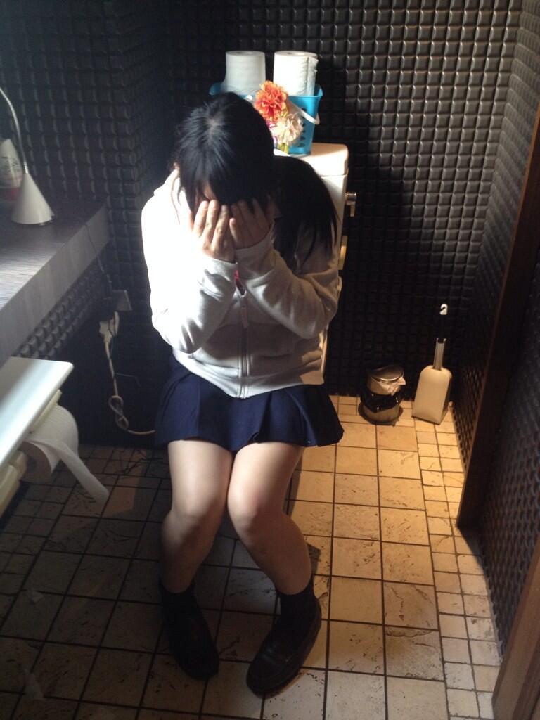 生活感溢れる女子高生のおふざけ画像!!楽しそうで可愛いwwwwwww vjSqwIj