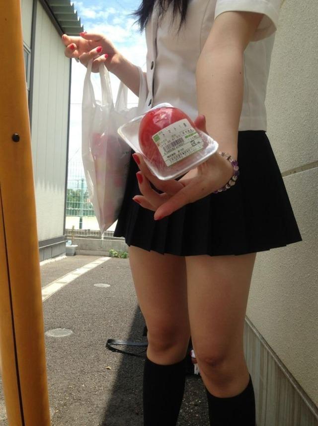 若気の至り!!可愛い女子高生のおふざけエロ画像 7fk0eiV