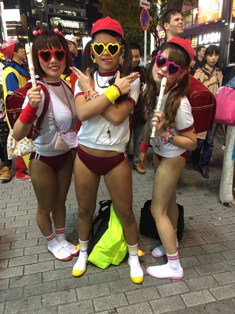 渋谷のハロウィンではしゃぐおっぱい女子の素人エロ画像 DNdL0PlUMAEHc4m