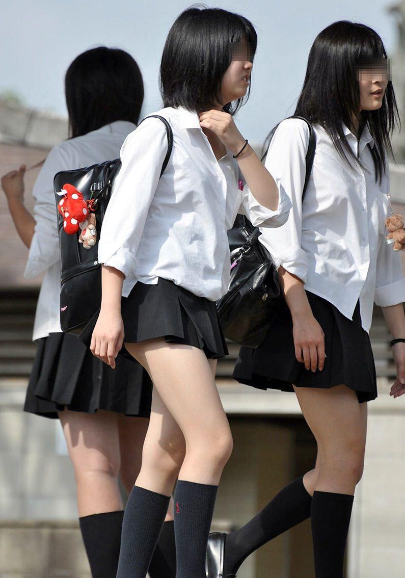 黒髪ロングの制服JK画像をくださいwwwwwwwwww UZpzz8P