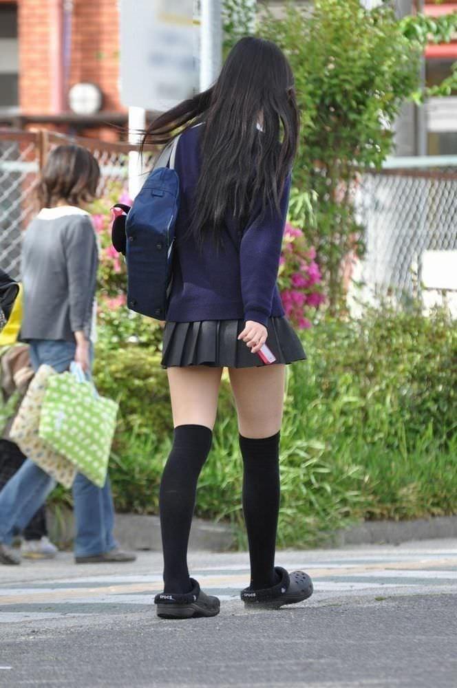 黒髪ロングの制服JK画像をくださいwwwwwwwwww zXd68vd