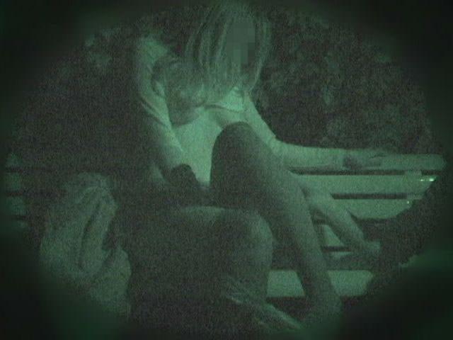 赤外線カメラでガチ盗撮!10代素人カップルが若さに任せた激しい野外セックスのエロ画像 1907