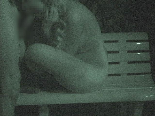 赤外線カメラでガチ盗撮!10代素人カップルが若さに任せた激しい野外セックスのエロ画像 1930