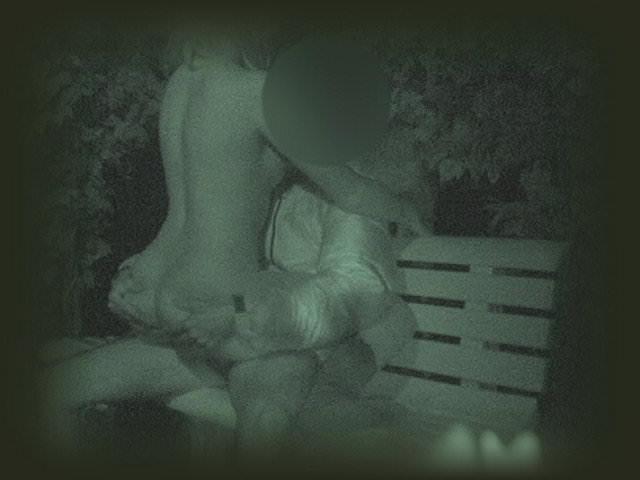 赤外線カメラでガチ盗撮!10代素人カップルが若さに任せた激しい野外セックスのエロ画像 1932