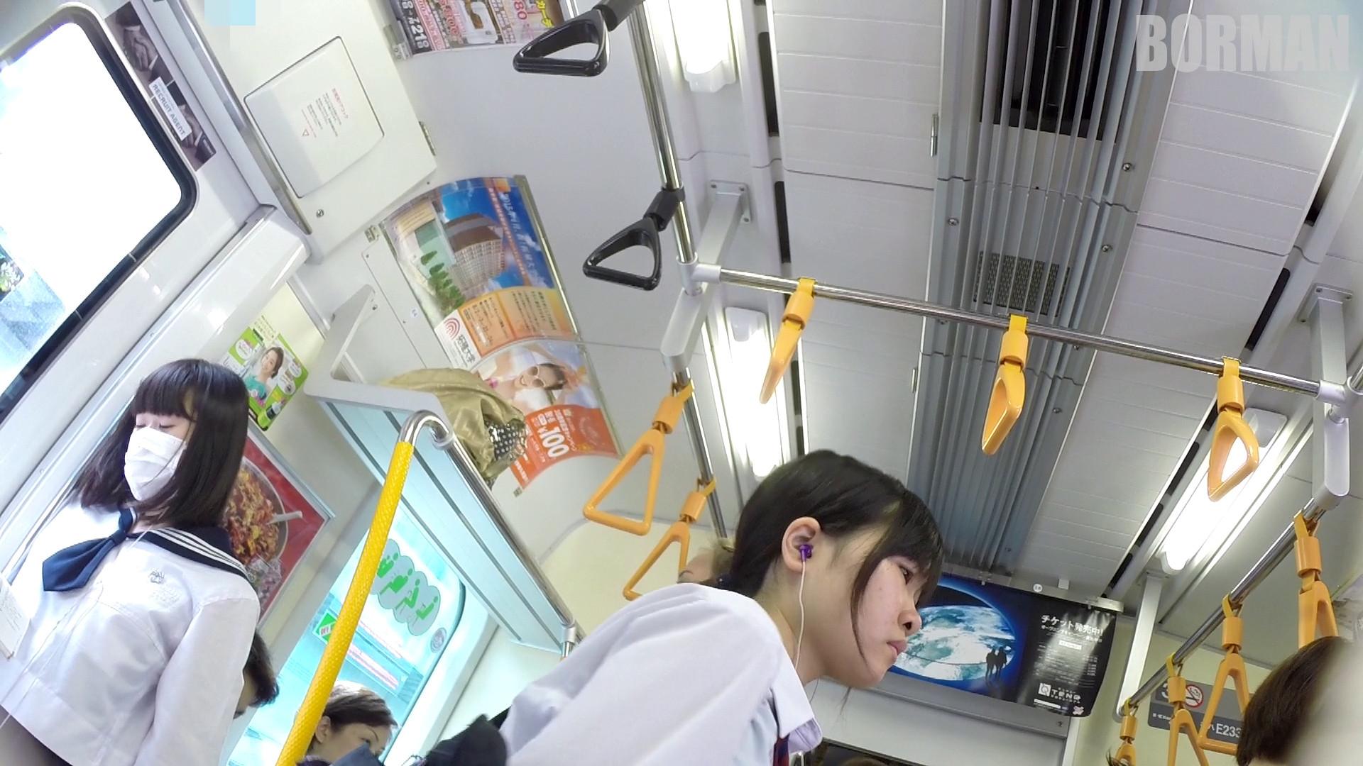 無防備なJKの後ろを付けて電車内で生パンチラじっくり盗撮wwww 90aac6b7