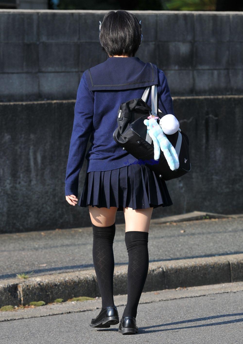 放課後を満喫するJK街撮りエロ画像 LiU6CRl