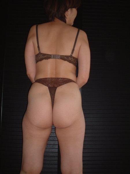 休日は奥さんと自宅でエッチなお遊び!洋服脱がしてエロ画像撮影wwwww 07115