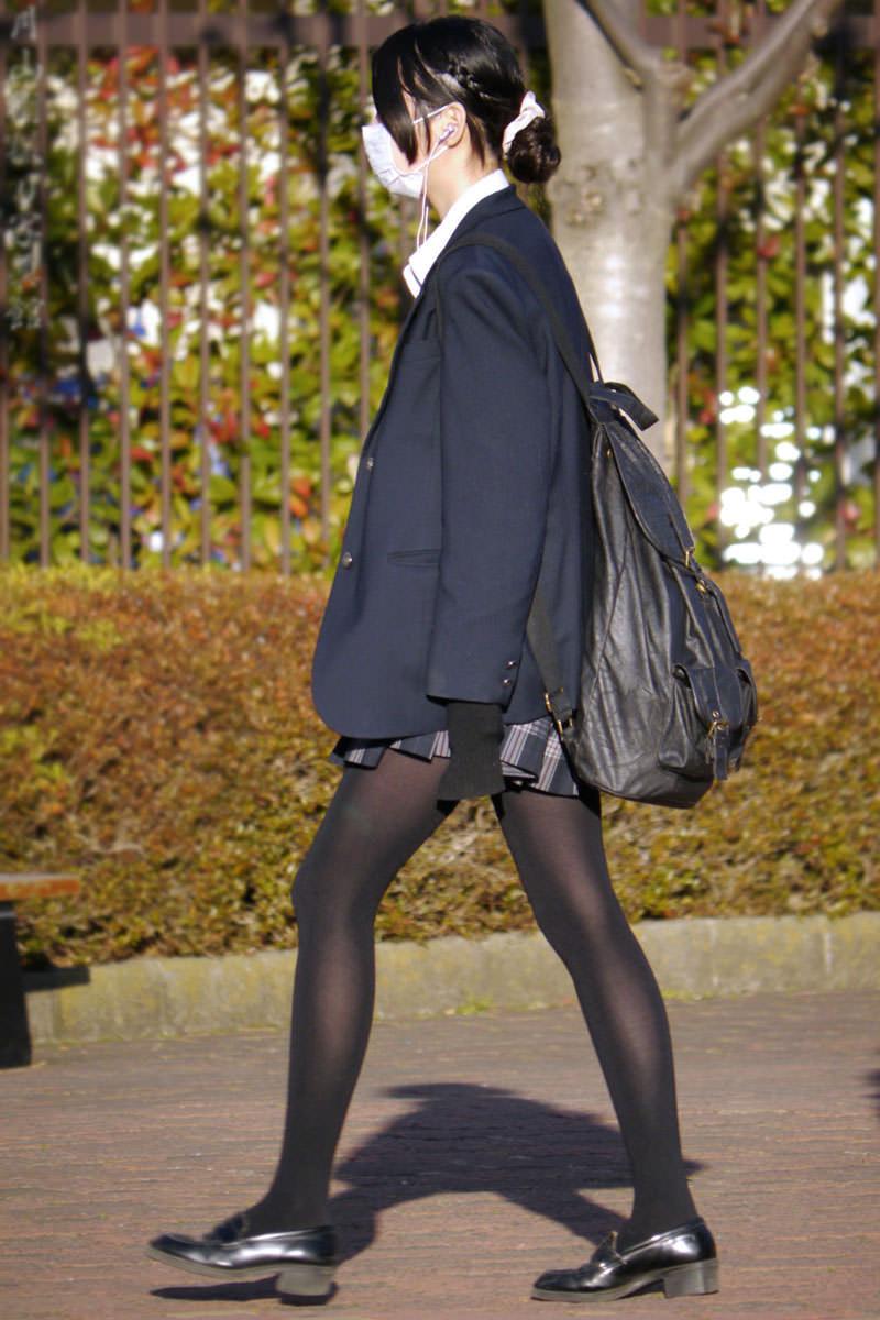 生足も好きだけどJKの黒パンスト画像なんてどうでしょう!!! 0Fc1Kwh