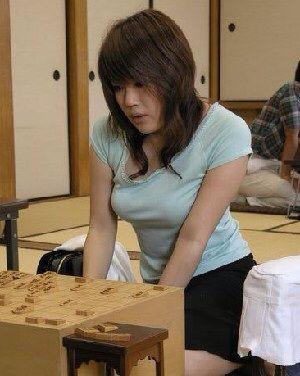 女流プロ棋士の着衣おっぱい画像スレwwwwww 1e045d2b