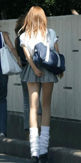 女子高生ナマ足盗撮街撮り素人エロ画像 2637