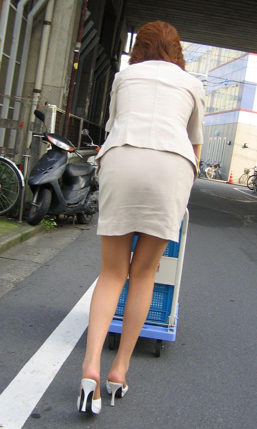 胸を熱くする素人のそそる街撮りエロ画像 2990