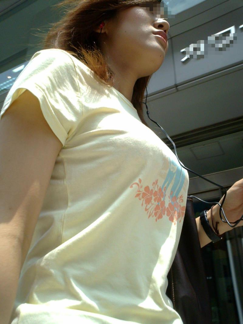 街中でムラムラが抑えられなくなる揉みしだきたい素人の着衣おっぱい!!! 30125