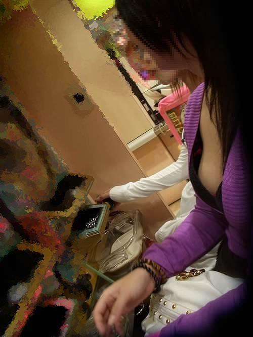 街中でムラムラが抑えられなくなる揉みしだきたい素人の着衣おっぱい!!! 30139