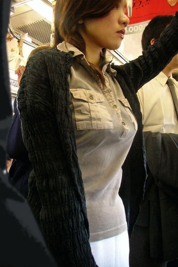 街中でムラムラが抑えられなくなる揉みしだきたい素人の着衣おっぱい!!! 30142
