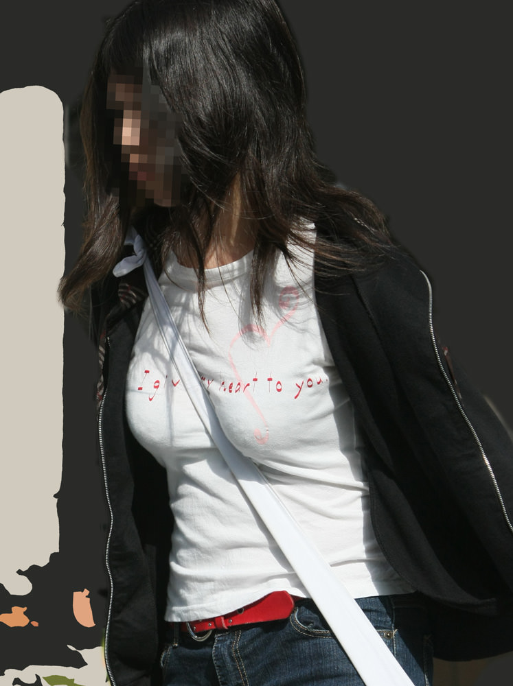 街中でムラムラが抑えられなくなる揉みしだきたい素人の着衣おっぱい!!! 30151