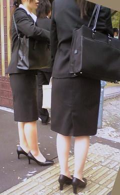 お尻の形が丸わかりなOLさんを尾行して街撮り盗撮www 3067