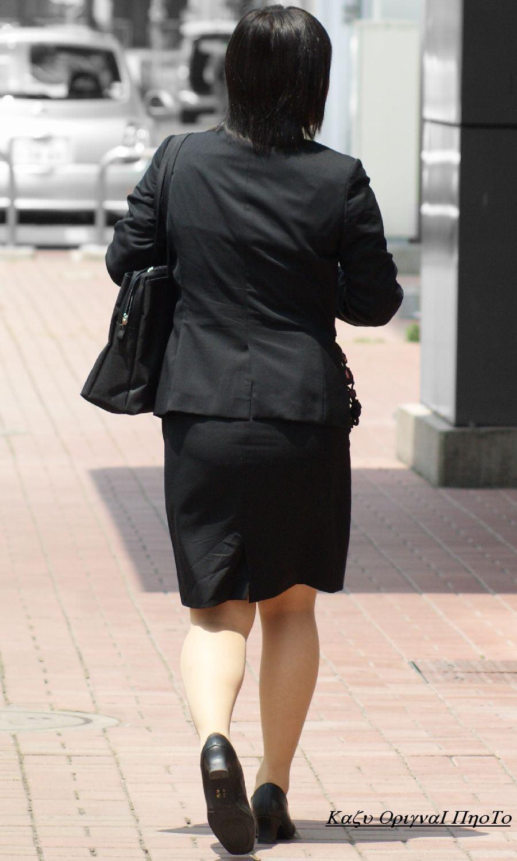 お尻の形が丸わかりなOLさんを尾行して街撮り盗撮www 3069