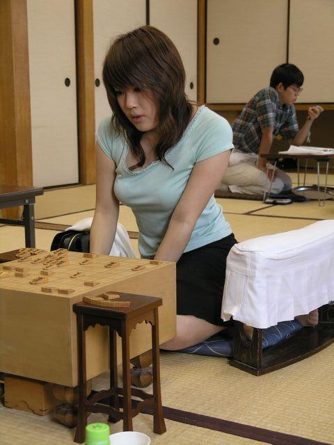 女流プロ棋士の着衣おっぱい画像スレwwwwww 7a041883