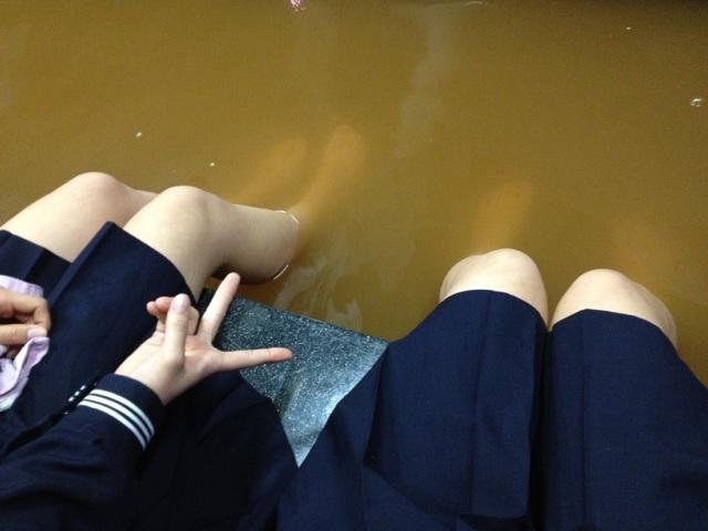 女子高生と合法的に混浴する方法を発見したぞぉーwww G4hUuXQ