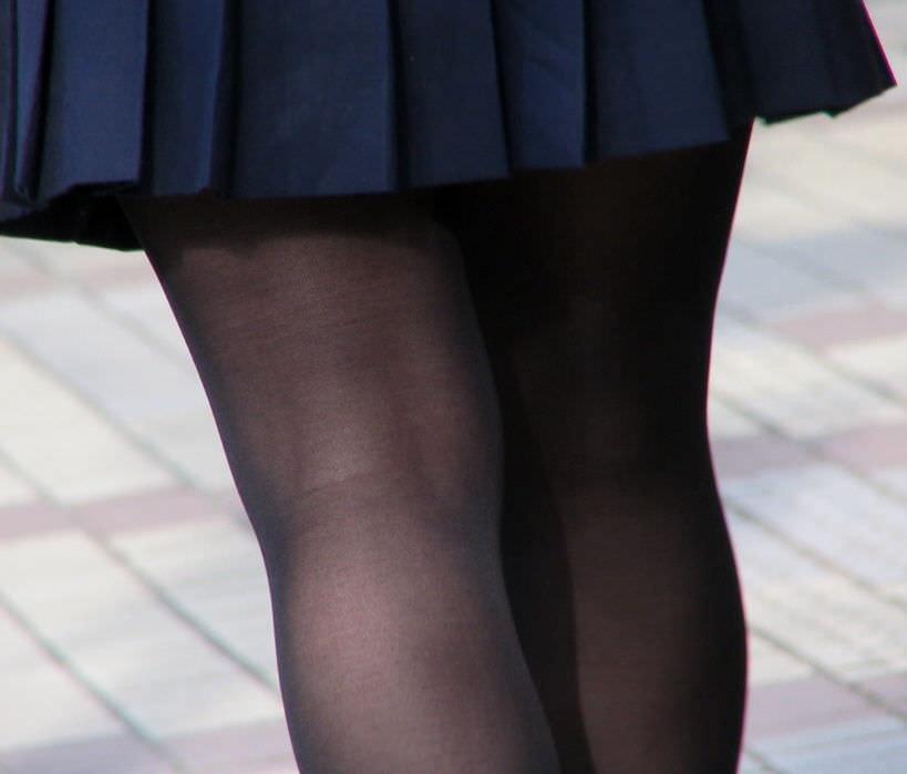 生足も好きだけどJKの黒パンスト画像なんてどうでしょう!!! HcjcHFs
