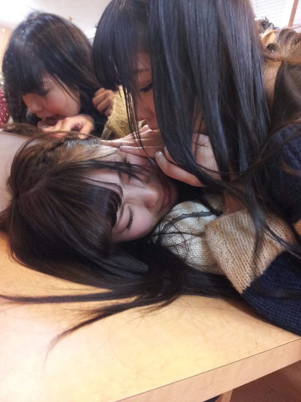 エッチなおふざけする女子高生の日常風景に密着wwww Q9MjTOS