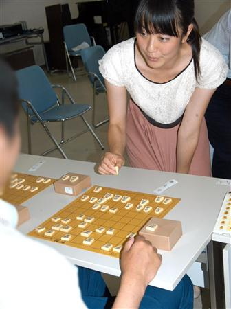 女流プロ棋士の着衣おっぱい画像スレwwwwww b0064113 23543934